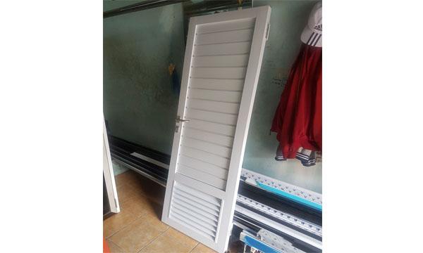 Pintu kamar mandi alumnium althaf aluminium jakarta barat